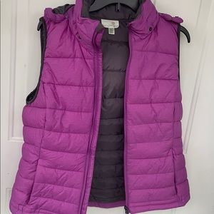 PUFFER VEST WITH HOOD LIKE NEW XL